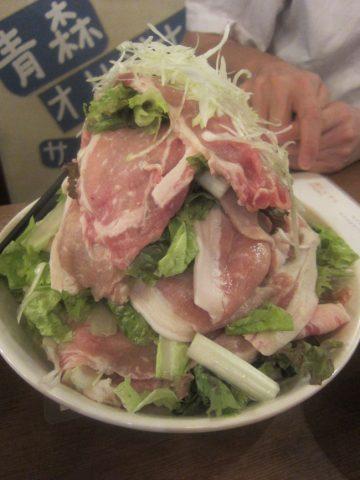 奥入瀬ガーリックポーク&山盛り野菜